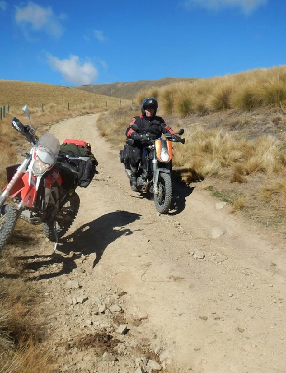 Descending East Manuherikia Track