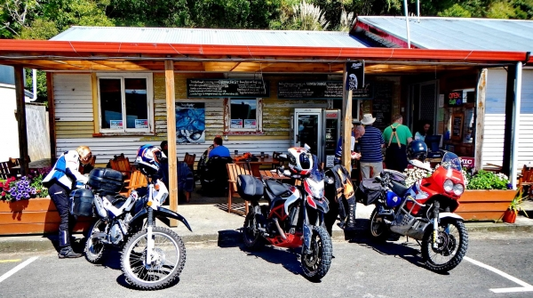 Kohukohu bar and café line-up. Seven bikes started the ride from Casa Searle.