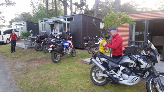 Camilla to the left, Michael, Mike and Neil at the Ahipara Motor Camp