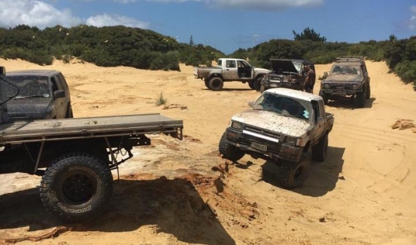 Trucks on the dunes on Gum Diggers Track