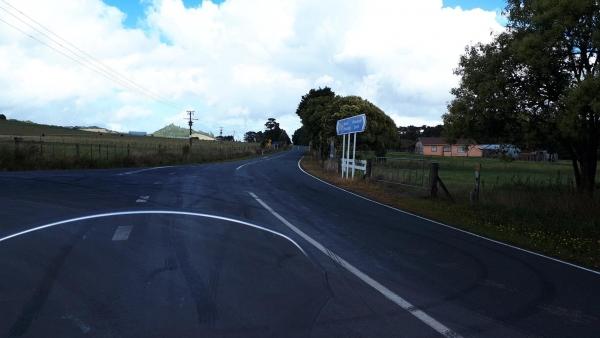 Hailes - Whananaki South Road intersection with Tutukaka Coast Highway.