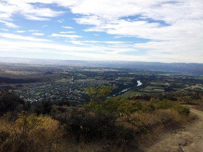 Looking down over Clyde from Hawksburn Road