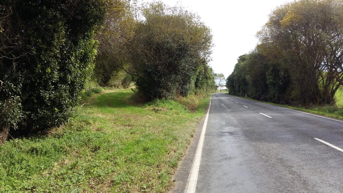 The Waipapa Road entrance to Lake Road