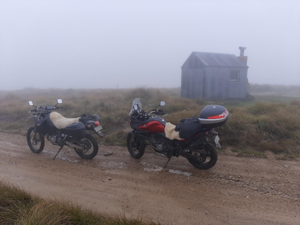 The hut at the peak of Piano Flat