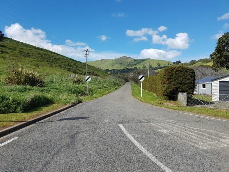 The start of Pipers Valley Road