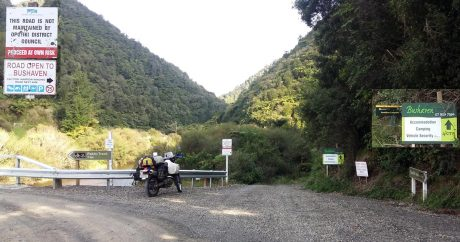 The turnoff to Boulders Campsite